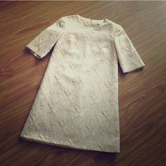 Banana Republic Festive Dress XS Super classy and elegant dress. Perfect sleeve length for evening. Gold thread decor. Worn once. Does not show its elegance on photo. Banana Republic Dresses