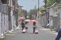 Por ser um bairro residencial e formado, majoritariamente, por casas, umas das características do José Walter é o movimento de pessoas nas ruas