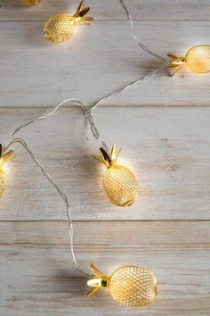 These pineapple lights are so fun! These would be great for my back porch during the summer! Ft Pineapple String Lights from Francesca's. Pinapple Room Decor, Pineapple Room, Cute Pineapple, Pineapple Kitchen, Bedroom Themes, Bedroom Decor, Bedroom Ideas, Pineapple Lights, Rustic Winter Decor