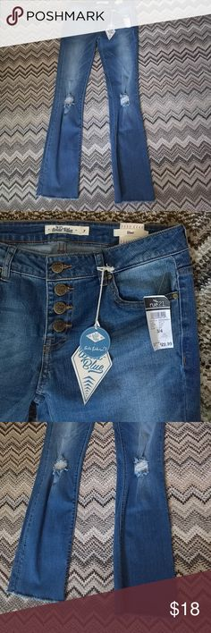 Rue 21 Distressed Boot Cut jeans size 3, 32 Inseam I just bought these here, but they are too long for me?? Rue 21 Jeans Boot Cut