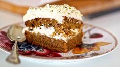 Mehevä pohja ja tuorejuustotäyte tekevät kakusta maistuvan.