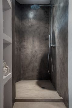 MIcro cement shower, by True Ibiza- this shower. I am drooling Más