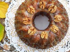 Live to Bake: Voňavá tekvicová bábovka s karamelovou polevou Doughnut, Baking, Live, Food, Bakken, Essen, Meals, Backen, Yemek