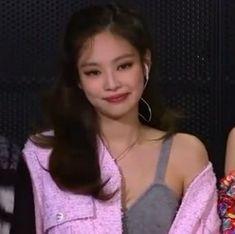 credit @jenmark Kim Jennie, Yg Entertainment, Kpop Girl Groups, Kpop Girls, My Girl, Cool Girl, Swag Girl Style, Bobby Brown Stranger Things, Me As A Girlfriend