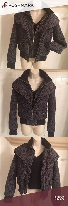 G by GUESS PUFFER JACKET WOMEN SIZE M Guess Puffer Jacket :) So Cute Gotta Have! Looks like you have a Two Piece. So many way to show different Looks has two front Large Pocket with design snap Buttons. One large inside Pocket.  Inside lining  with Guess print. Front full Zip Up style. Will keep you warm and yet light weight for Comfort move for all your fun activities. Size M.. PLEASE contact me if you have any questions.  Final Price $39.00 G by Guess Jackets & Coats Puffers