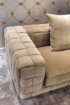 Modern sofas ideas| modern white sofa | bocadolobo.com | #sofa #sofasideas #modernsofa #livingroom