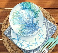 Dive into the outdoor dining experience with durable coastal and nautical melamine plates and dinnerware. Find a variety of coastal designs . Coastal Style, Coastal Decor, Coastal Cottage, Coastal Living, Pottery Barn, Service Assiette, Outdoor Dinnerware, Beach House Decor, Home Decor