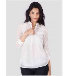 The mandarin neck of this top offers elegance to your attire. Fashion with  fitted trousers or jeans! Uptown Galeria e572928cc