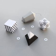 Black and White Geometric Ornaments -40 DIY Home Decor Ideas That Aren't Just For Christmas http://www.jexshop.com/
