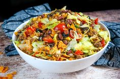 Meat Salad, Soup And Salad, Veggie Recipes Healthy, Salad Recipes, Leftover Taco Meat, Taco Salad Doritos, Rabbit Food, Game Day Food, Main Dishes