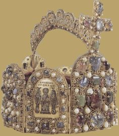 Crown of Charlemagne.. The Crown of Charlemagne was the ancient coronation crown of Kings of the Franks, and later Kings of France after 1237.