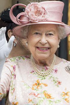Queen Elizabeth Celebrates 91st Birthday Of England Ii Sangre Real