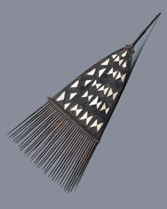 Solomon Islands | Comb; wood and shell | Late 19th to early 20th century | POR