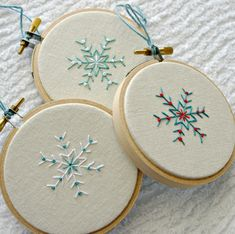 Christmas Ornament Hoop Art Snowflake Hostess Gift Natural Linen Hand Embroidery Set of Three Black Friday Etsy Cyber Monday Etsy Embroidered Christmas Ornaments, Christmas Embroidery Patterns, Embroidery Hoop Art, Xmas Ornaments, Embroidery Designs, Border Embroidery, Christmas Sewing, Handmade Christmas, Christmas Crafts