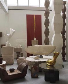 Writer and expert in contemporary art and architecture Modern Sculpture, Sculpture Art, Sculptures, Constantin Brancusi, Centre Pompidou, Pottery Sculpture, Famous Artists, Art And Architecture, Ceramic Art