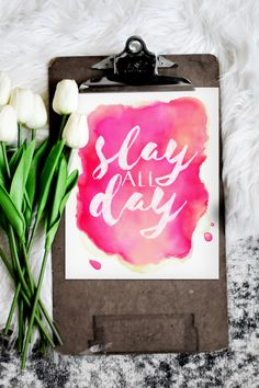 Druckbare Slay All Day Home Office Dekor - workoffice Decoration Ikea, Dorm Decorations, Office Wall Decor, Office Walls, Hobby Lobby, Feng Shui, Pink Office, Slay All Day, Pink Art