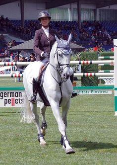 Les chevaux de sports - Mylord Carthago - Mylord Carthago et Pénélope Leprevost au CSI 5 étoiles de Hambourg en 2012