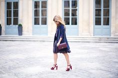 Trendy Look. Look con sandalias plataforma. A trendy life. #trendy #chic #moda #fashion #paris #parisfw #pfw #set #conjuntorayas #platformshoes #burgundybag #zalando #chanel #outfit #fashionblogger #atrendylife www-atrendylifestyle.com