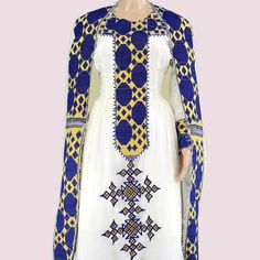 All brides think of having the most appropriate wedding ceremony, but for this they need the most perfect wedding dress, with the bridesmaid's outfits enhancing the brides dress. Here are a variety of suggestions on wedding dresses. Wedding Look. Ethiopian Wedding Dress, Ethiopian Dress, Ethiopian Traditional Dress, Traditional Dresses, Traditional Wedding, Special Dresses, Dresses For Sale, Habesha Kemis, Dress First