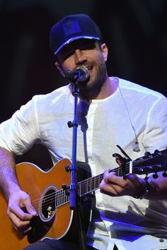 Welcome to Sam Hunt Daily, a blog dedicated to the talented and handsome country recording artist...