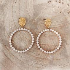 """• T W I N I N A S • στο Instagram: """"ʙᴇᴀᴛʀɪᴄᴇ ʜᴏᴏᴘ ᴇᴀʀʀɪɴɢs On Sale 💫💫💫 #twininas 💫 www.twininas.gr"""" Pearl Necklace, Pearls, Jewelry, Instagram, String Of Pearls, Jewlery, Beaded Necklace, Bijoux, Jewerly"""