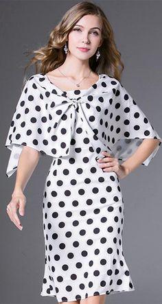 Fashion Polka Dot O-Neck Flare Sleeve Bodycon Dress Bodycon Dress Formal, Bodycon Dress With Sleeves, Short Sleeve Dresses, Steps Dresses, Casual Dress Outfits, Office Outfits, Fashion Dresses, Women's Dresses, Sheath Dresses