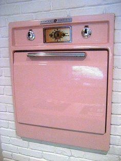 Suzy Homefaker: PINK KITCHEN #site:gadgetsandgizmos.site