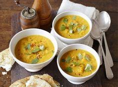 Supă de dovleac, linte și lapte de cocos