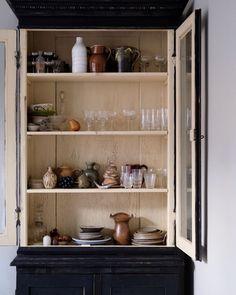 "300 gilla-markeringar, 12 kommentarer - Rachel (@rachelemilia) på Instagram: ""We will need a bigger cupboard..."""