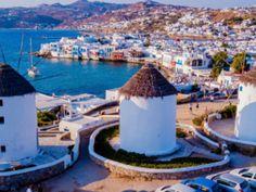 Ένα νησί σχετικά μικρό που όμως τα συνδυάζει όλα: γραφικότητα, κοσμοπολίτικη αύρα, υψηλής ποιότητας τουριστικές υποδομές, θρυλικό nightlife και ονειρεμένες αμμουδιές. Mykonos Town, Ibiza, Glass Of Milk, Greece, Dolores Park, World, Travel, Greece Country, Viajes