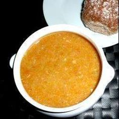 Simple lentil and bacon soup. This is a simple, easy, comforting soup. Lentil And Bacon Soup, Lentil Soup Recipes, Soup Recipes Uk, Dinner Recipes, Savoury Recipes, Bacon Recipes, Detox Recipes, High Protein Snacks, Scottish Recipes