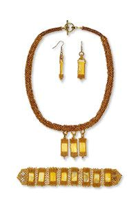 Single-Strand Necklace Bracelet and Earring Set with Seed Beads and Gold Lip Shell Beads