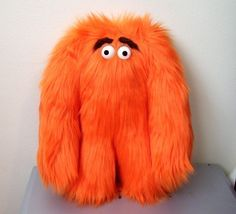 orange Grumbelly monster that looks like Hungry from the Weight Watchers commercials! Plushie Patterns, Softie Pattern, Doll Patterns, Bear Patterns, Stuffed Animal Patterns, Diy Stuffed Animals, Sewing Toys, Sewing Crafts, Monster Art