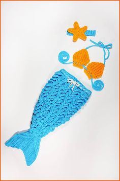 In this video I demonstrate how to crochet a mermaid tail for a baby. Be sure to see my full blog post to make the bikini top and headband that matches!