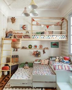 35 Fascinating Shared Kids Room Design Ideas - Planning a kid's bedroom design can be a lot of fun. It can also be a daunting task as you tackle the issue of storage and making things easy to clean. Girls Bedroom, Bedroom Decor, Bedroom Ideas, Childs Bedroom, Kid Bedrooms, Girl Rooms, Triplets Bedroom, Boy And Girl Shared Room, Bedroom Fun