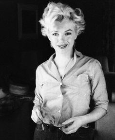 Gorgeous photo of Marilyn Monroe. Joe Dimaggio, Classic Hollywood, Old Hollywood, Divas, Marilyn Monroe Fotos, Beautiful People, Beautiful Women, Beautiful Celebrities, Pin Up