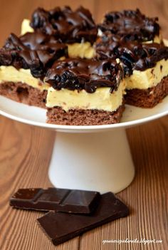 Chocolate Sponge Cake with Plumbs Sweet Desserts, Sweet Recipes, Delicious Desserts, Yummy Food, Polish Desserts, Polish Recipes, Bakery Recipes, Donut Recipes, Sweets Cake