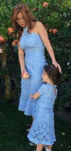 Vanessa Montoro - blue crochet dresses Vanessa Montoro, Crochet Dresses, Crochet Clothes, Strapless Dress, Prom Dresses, Formal Dresses, Mommy And Me Dresses, Mother Daughter Outfits, Summer Patterns