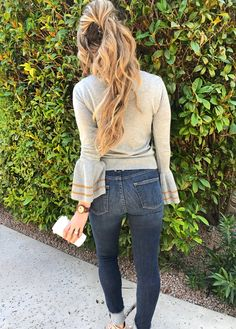Fall, fall hair, sweater, starbucks, blogger, blog, style, hair, hairdo, long hair, watches, woodwatch, jord, fall style