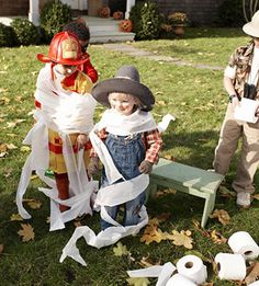 Have your little guests race to see who can wrap their friends in toilet paper the fastest. Halloween Party Activities, Halloween Food Crafts, Homemade Halloween Costumes, Halloween Games, Toddler Halloween, Halloween Birthday, Halloween Party Decor, Holidays Halloween, Halloween Invitations