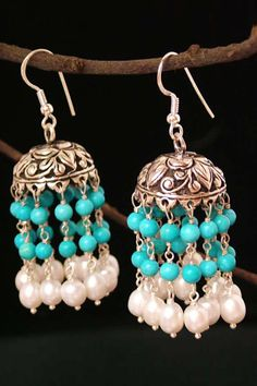 Turquoise and pearls. Beautiful! <3