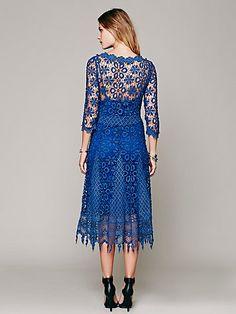 Daisy Chemical Lace Dress   Платье кружевное, имитация вязания крючком цвет  Twilight Blue от Free People  #lace_dress  #Machine_made_crochet