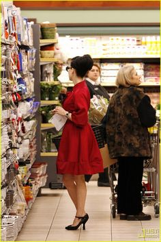 red coat dita This is how I should look when I grocery shop!;)