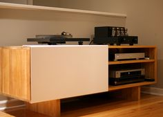 Keep all your vinyl organized in our LAXseries ENT shelf