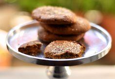 Ricette con gli scarti della centrifuga - La ricetta per non sprecare la polpa di scarto del centrifugato e riutilizzarla per la preparazione di tanti biscotti alla frutta.