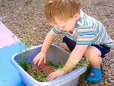 {Bug Slime Spaghetti} Another great idea from @Anna @ The Imagination Tree ! #CampSunnyPatch