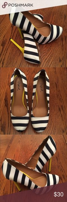 """Nautical Print Pump Great way to add a nautical flair to your style and the yellow just pops out....simply gorgeous! Brand new with box. Heel Height: 5.25"""" w/ 1.75"""" Platform (approx) 🚫No Trade ✅Reasonable Offers Welcomed Qupid Shoes Heels"""