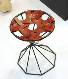 Big Chairs For Living Room Post:9526692440 Funky Furniture, Leather Furniture, Industrial Furniture, Furniture Making, Luxury Furniture, Furniture Design, Leather Stool, Diy Sofa, Leather Weaving