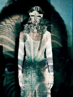 Best of Givenchy by Riccardo Tisci in Vogue Italia 16/17 PAOLO ROVERSI - VOGUE UNIQUE, MARZO 2012