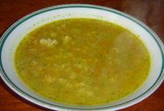 Recepty na rychlé, levné a jednoduché polévky. Přiznejme si: Oběd bez polévky je takový nijaký, když přímo nechceme citovat rčení, že polévka je grunt. Někdy ale nemáme moc času na velké vyváření.